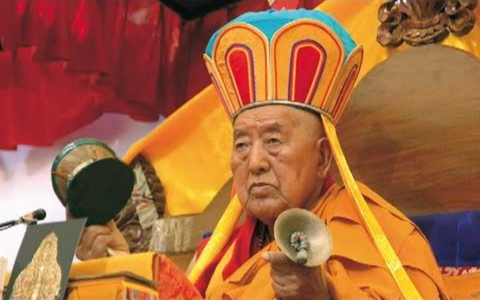 I consigli di Yongdzin Tenzin Namdak Rinpochesu Guru Yoga e Stato Naturale