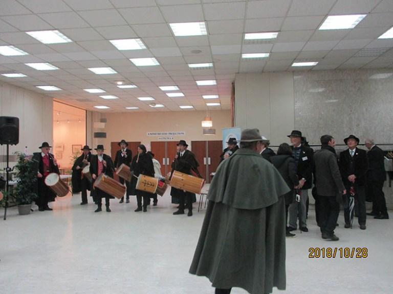 Lourdes : les Gardians reçus par Mme le Maire au Palais des congrès
