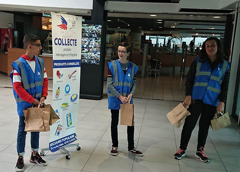 Lourdes : les jeunes de Visa junior ont participé à la collecte du Secours populaire