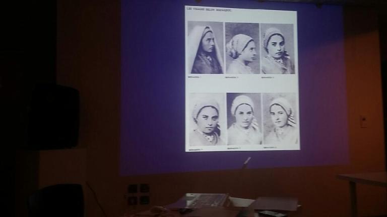 Lourdes : beau succès pour la conférence sur les «75 portraits de Bernadette»
