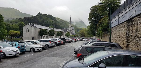 Read more about the article Lourdes : la désinformation permanente au service de qui ?…Les parkings du bas de la ville sont-ils réellement si vides que cela ?