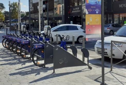 La Communauté d'Agglomération Tarbes Lourdes Pyrénées installe une station vélo électrique en libre service