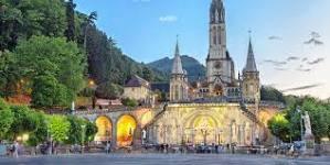 Read more about the article Lourdes : Deux Chapelains du Sanctuaire…en partance