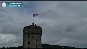 Thierry Lavit a hissé le drapeau tricolore sur le mat du Château-fort de Lourdes