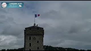 Read more about the article Thierry Lavit a hissé le drapeau tricolore sur le mat du Château-fort de Lourdes