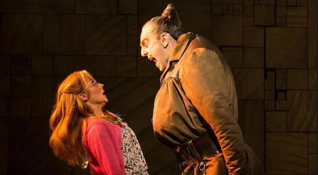 Gina Beck as Miss Honey, Hayden Tee as Miss Trunchbull. Photo by Manuel Harlan.