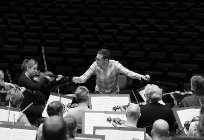 John Wilson rehearsing with the Orchestra of the Age of Enlightenment