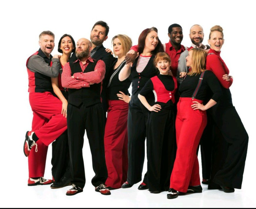 The Showstoppers team. Photo credit Hugo Glendinning