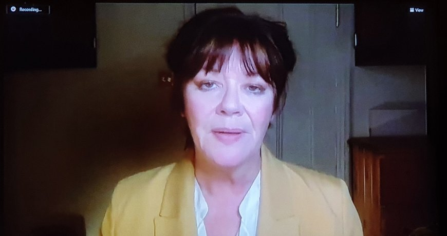 Josie Lawrence in The Boss of It All