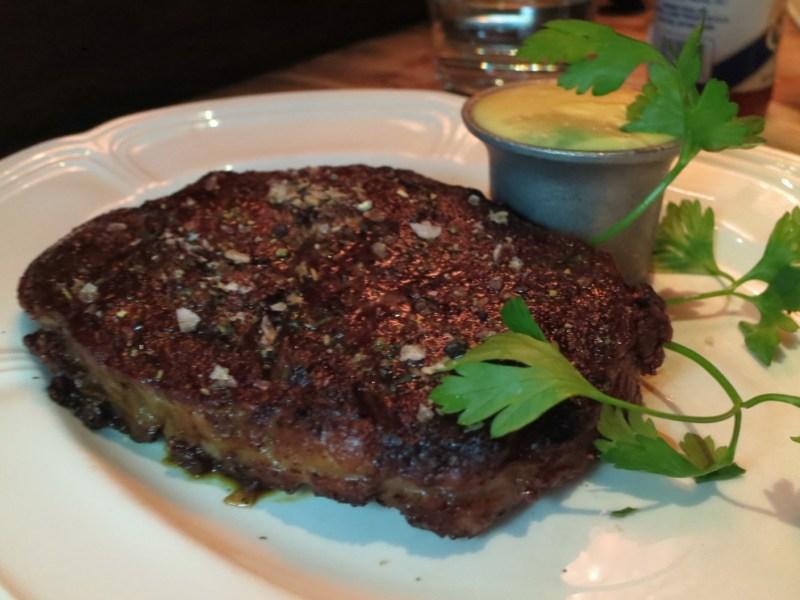 CLASSIC RIBEYE - CHICAGO CUT 16oz, béarnaise, steak salt.