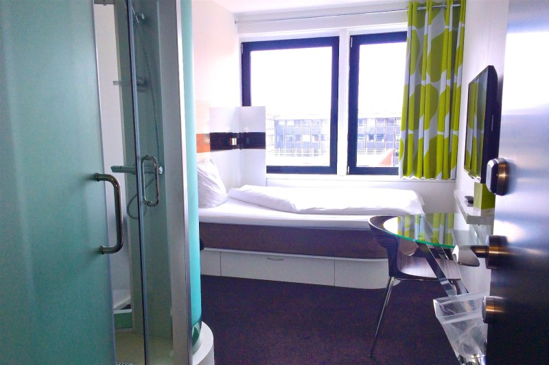 Room at Wake Up Hotel Borgergade