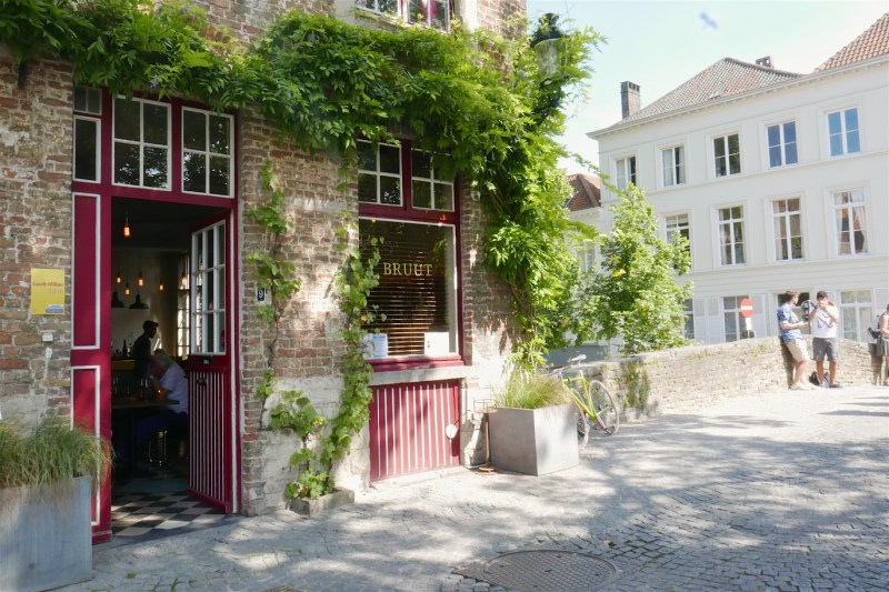 Modern, Flemish cuisine in a charming, relaxed setting