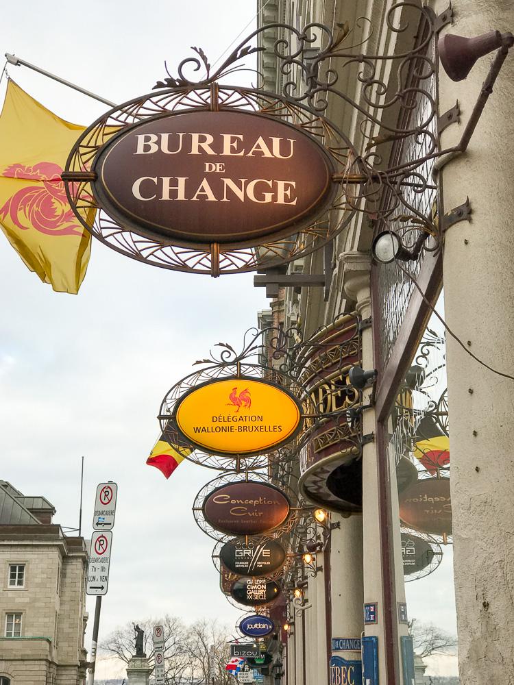 Québec City signs