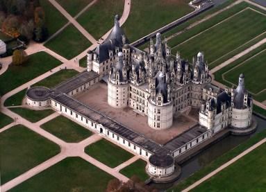 ChateauChambordArialView01.jpg