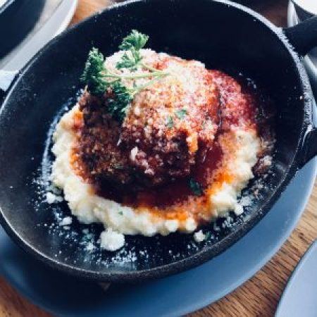 Classic Meatball with sweet tomato sauce