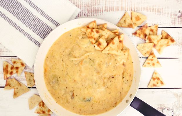 Slow Cooker Chicken Enchilada Queso Dip