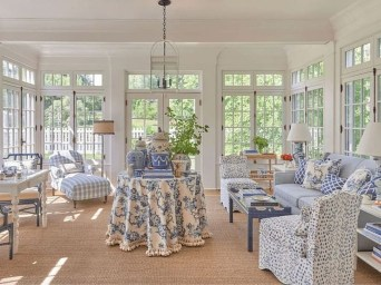 Elegant Coastal Themes For Your Living Room Design 11