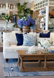 Elegant Coastal Themes For Your Living Room Design 31