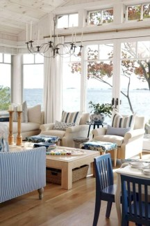 Elegant Coastal Themes For Your Living Room Design 43