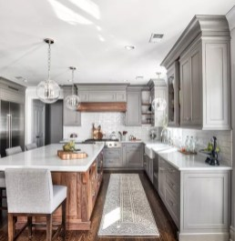 Inspiring Famhouse Kitchen Design Ideas 13