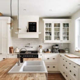Inspiring Famhouse Kitchen Design Ideas 37