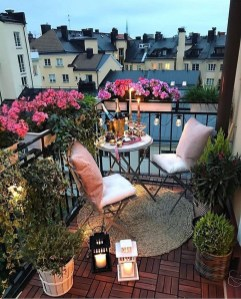 Best Ideas To Change Your Balcony Decor Into A Romantic Design 03