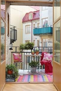 Best Ideas To Change Your Balcony Decor Into A Romantic Design 19