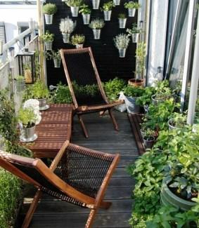 Best Ideas To Change Your Balcony Decor Into A Romantic Design 25