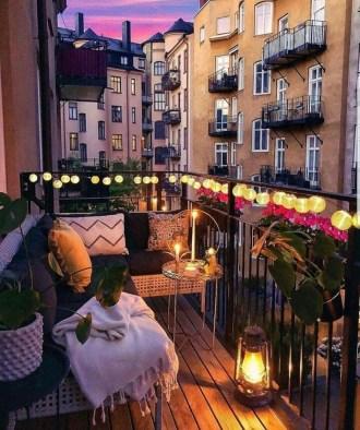 Best Ideas To Change Your Balcony Decor Into A Romantic Design 35