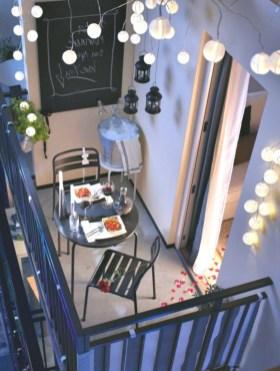 Best Ideas To Change Your Balcony Decor Into A Romantic Design 41