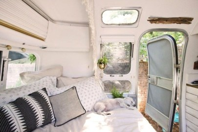 Cozy RV Bed Remodel Ideas On A Budget 45