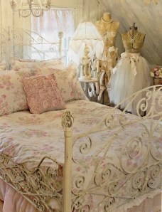 Cute Shabby Chic Bedroom Design Ideas For Your Daughter 12