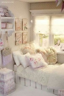 Cute Shabby Chic Bedroom Design Ideas For Your Daughter 15