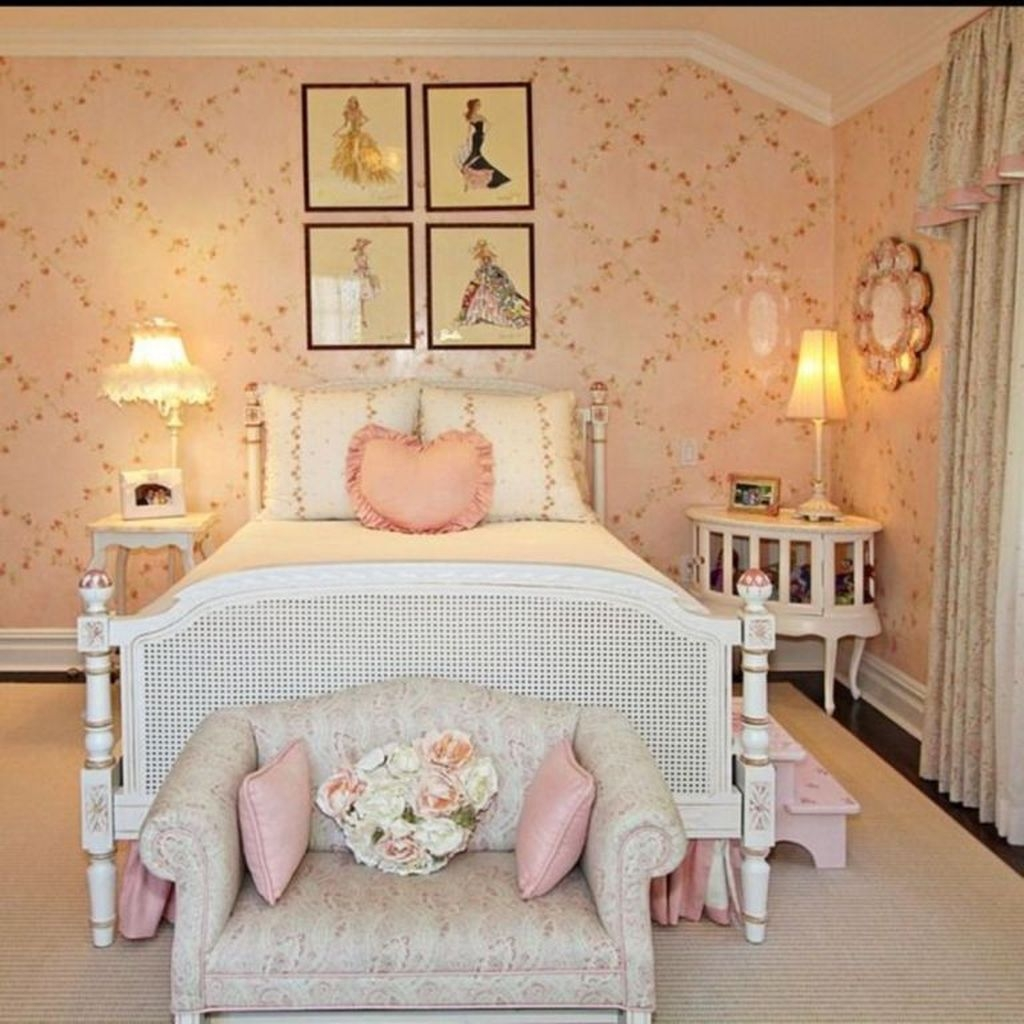 Cute Shabby Chic Bedroom Design Ideas For Your Daughter 16