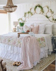 Cute Shabby Chic Bedroom Design Ideas For Your Daughter 18