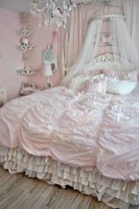 Cute Shabby Chic Bedroom Design Ideas For Your Daughter 19