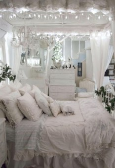 Cute Shabby Chic Bedroom Design Ideas For Your Daughter 25