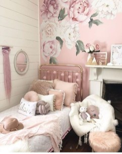 Cute Shabby Chic Bedroom Design Ideas For Your Daughter 27