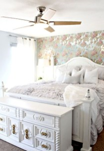 Cute Shabby Chic Bedroom Design Ideas For Your Daughter 28
