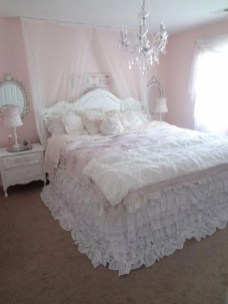 Cute Shabby Chic Bedroom Design Ideas For Your Daughter 31