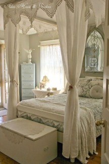 Cute Shabby Chic Bedroom Design Ideas For Your Daughter 43