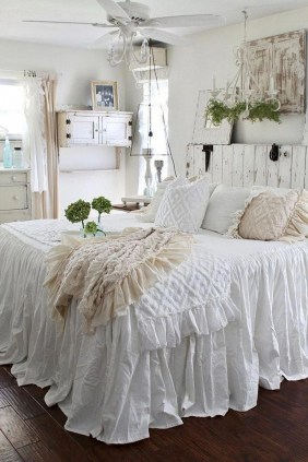 Cute Shabby Chic Bedroom Design Ideas For Your Daughter 50