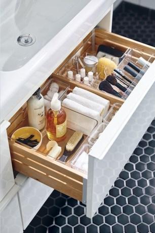 Genius Storage Bathroom Ideas For Space Saving 43