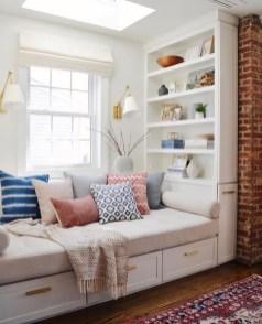 Inspiring Reading Room Decoration Ideas To Make You Cozy 03