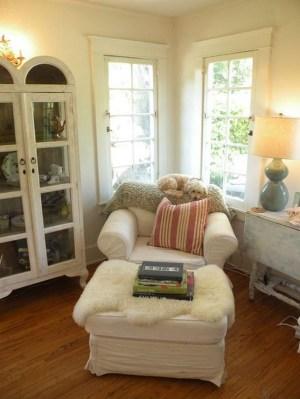 Inspiring Reading Room Decoration Ideas To Make You Cozy 08