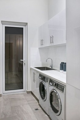 Minimalist And Small Laundry Room Ideas For Small Space 27
