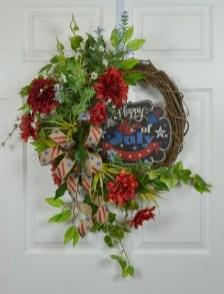 Pratiotic Handmade 4th Of July Wreath Ideas 04