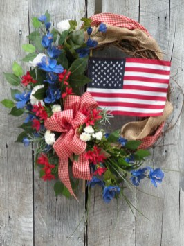 Pratiotic Handmade 4th Of July Wreath Ideas 18