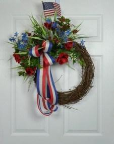 Pratiotic Handmade 4th Of July Wreath Ideas 21