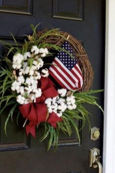 Pratiotic Handmade 4th Of July Wreath Ideas 34